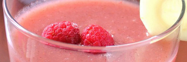 Rasberry cucumber smoothie in glass